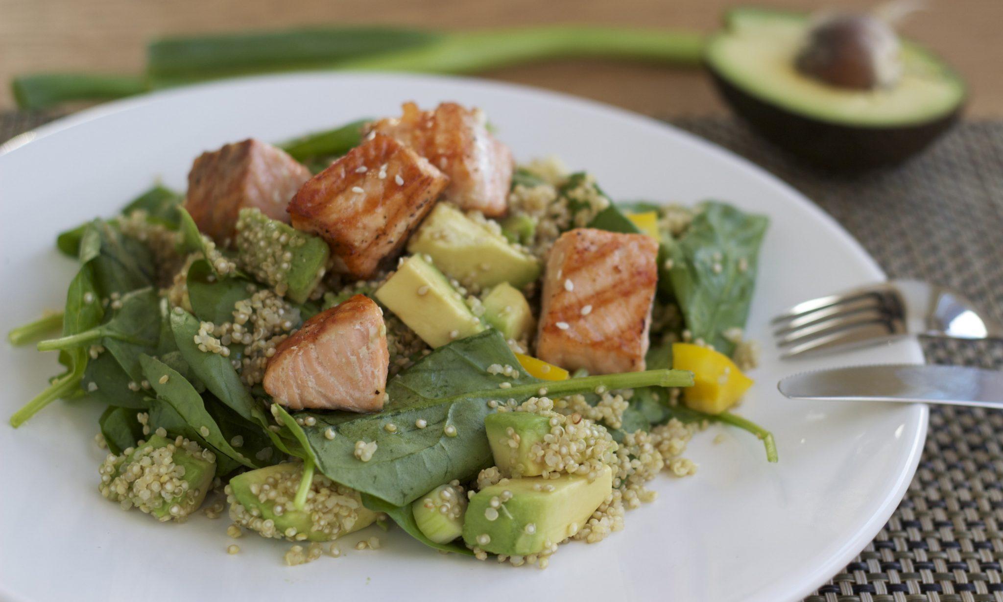 salade zalm ei avocado