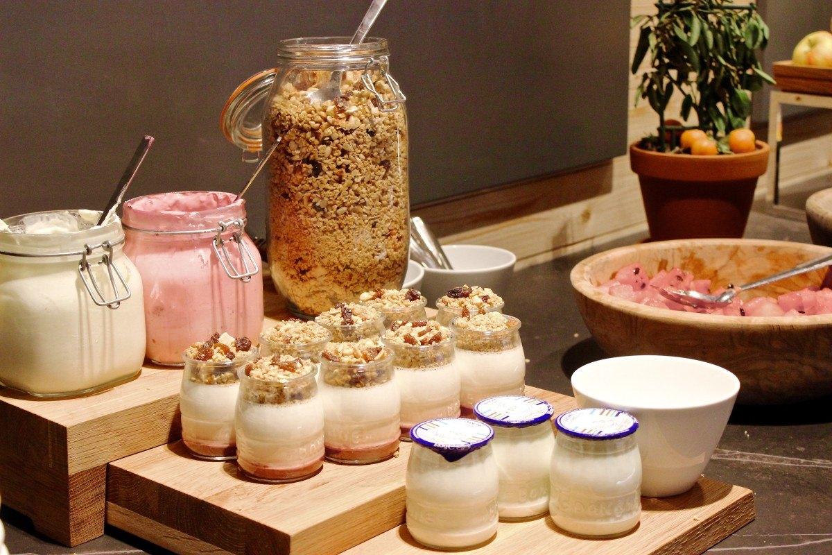 After pyjama party hotel jaz amsterdam cotton cream for Designhotel jaz amsterdam