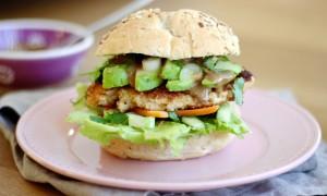 Krokante aziatische kipburger1