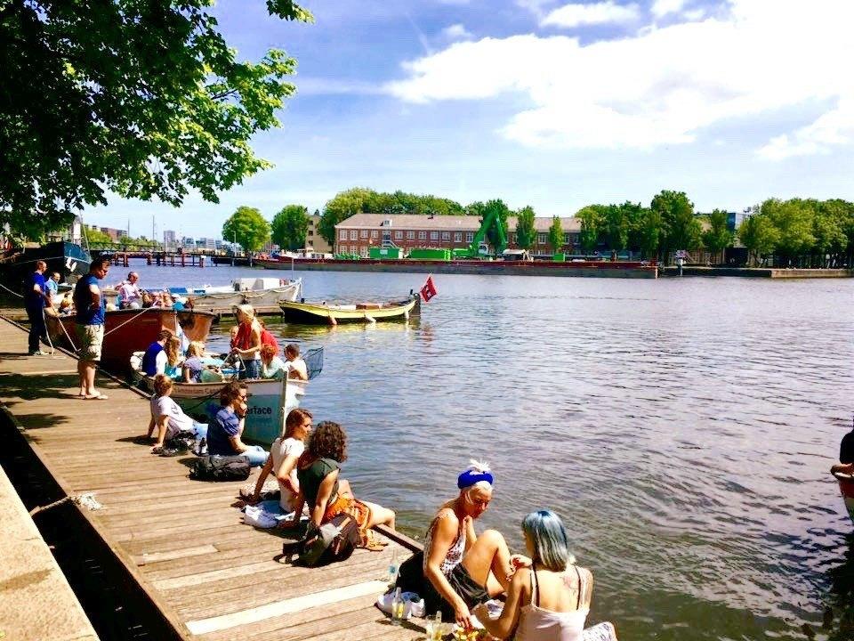 6 x de lekkerste terrassen aan het water in amsterdam cotton cream for Wat lemmet terras betekent
