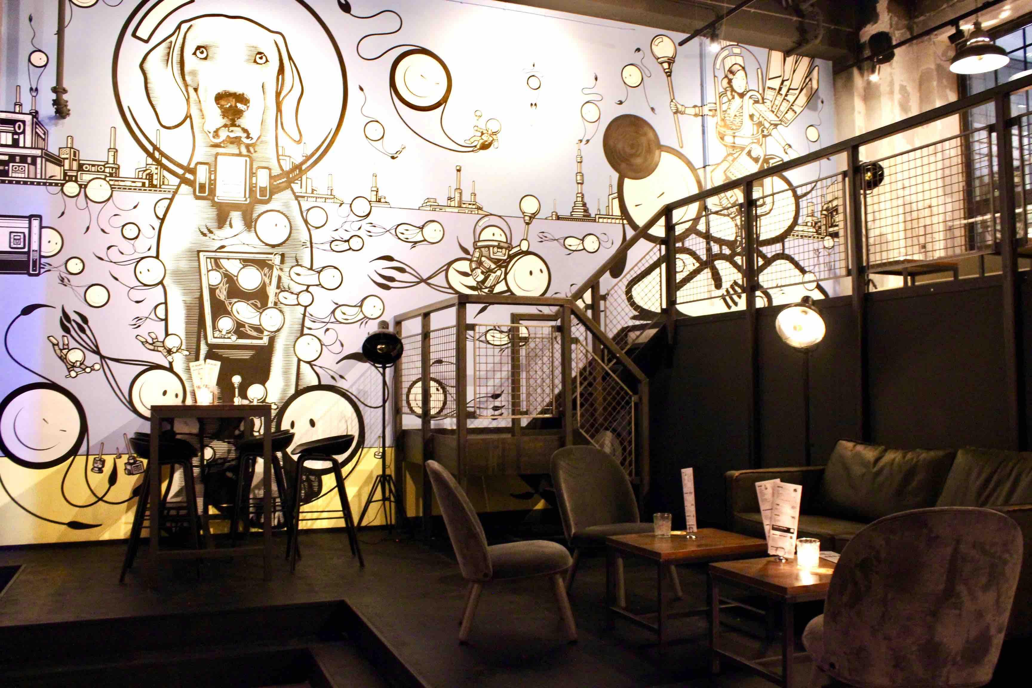 Street art restaurant de bajes amsterdam cool interieur for Interieur utrechtsestraat