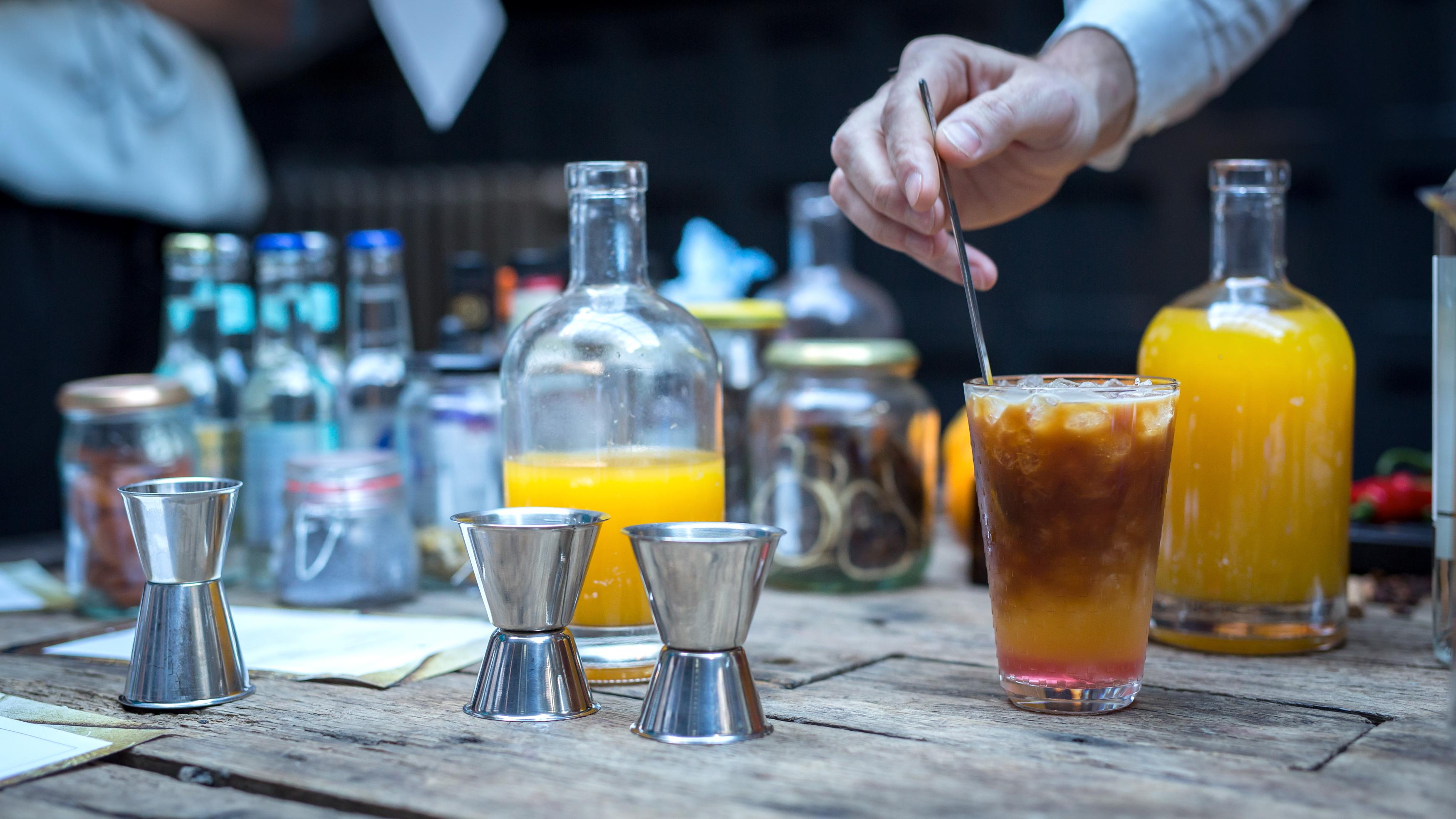 Spicy ijskoffie cocktail