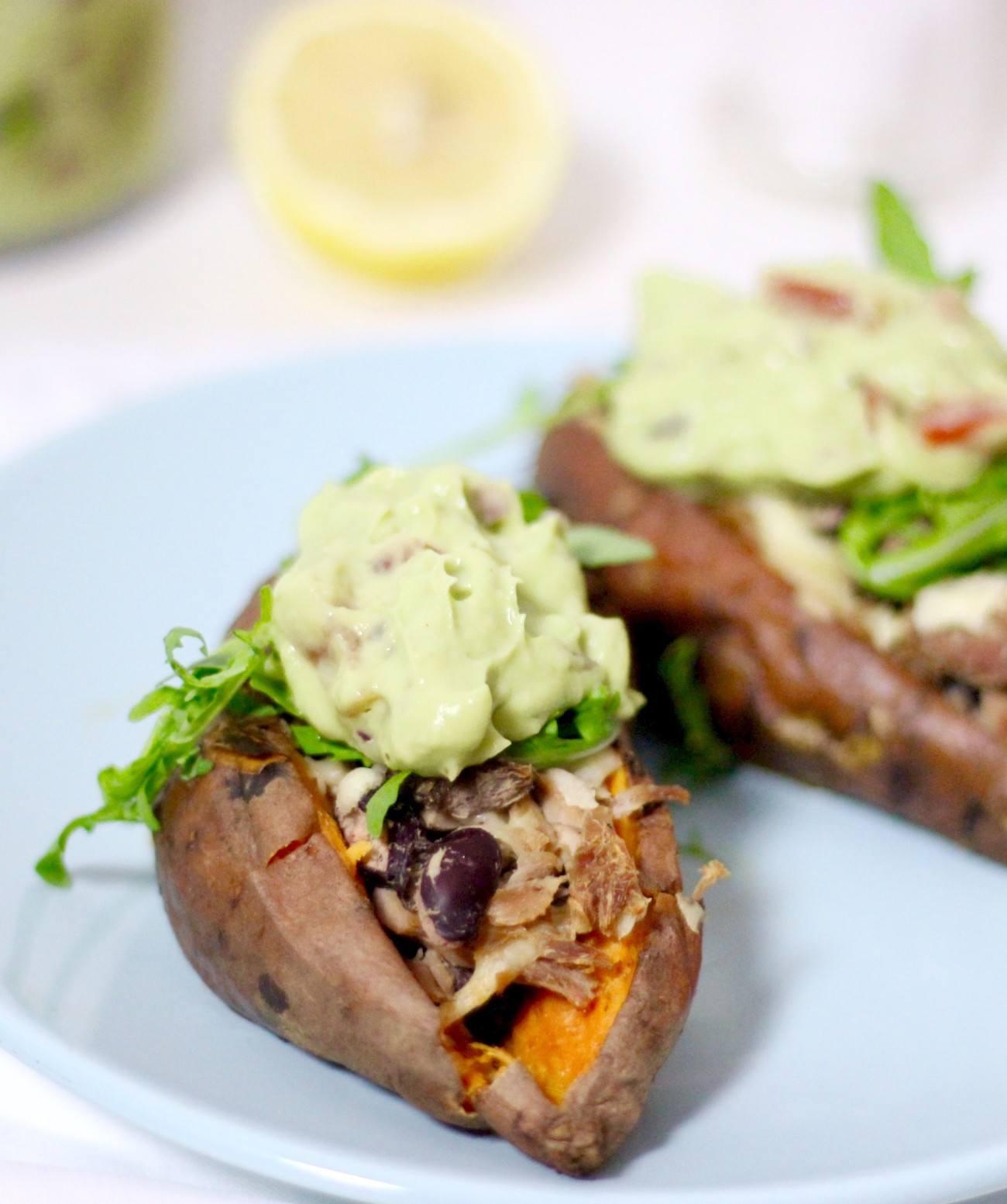 gepofte-zoete-aardappel-met-tonijn1