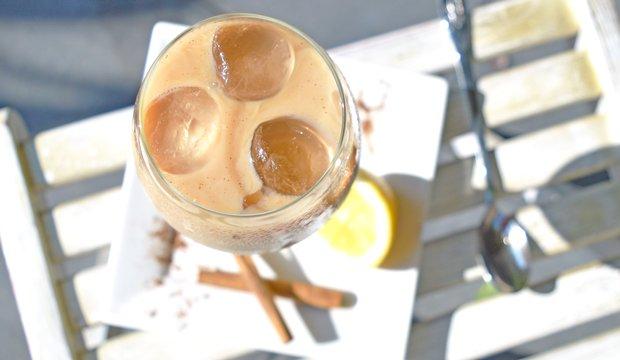 ijskoffie-met-amandelmelk